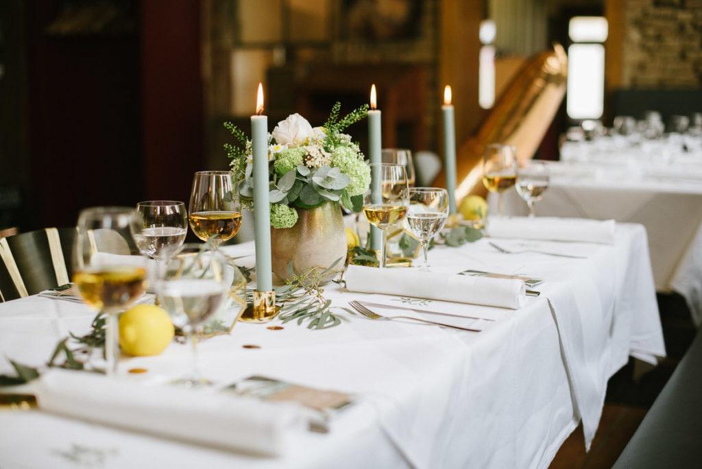 Fur Eure Tischdekoration Zur Hochzeit Gold Gelb Salbei Cotton Bird